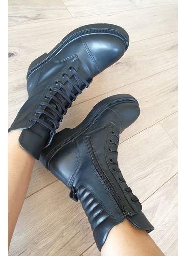 Topukla Bot Siyah